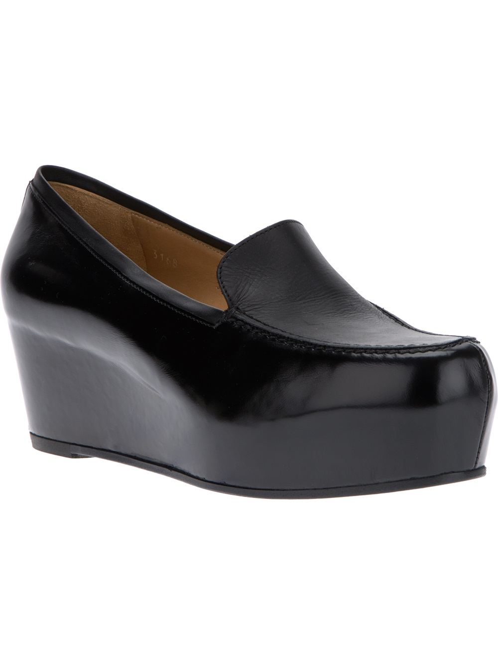 Shop for trendy fashion Loafers for women online at PopJulia. Find the newest styles of Loafers with affordable prices.
