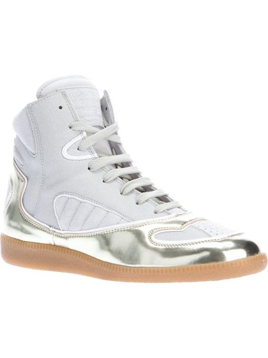 Kristen Stewart Nike Shoes